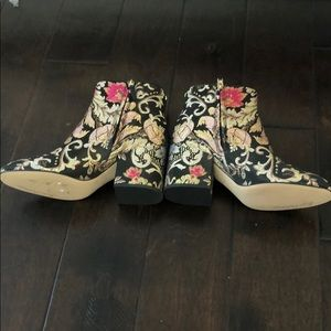 Sam Edelman metallic embroidered boots NWOT